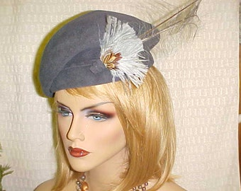 """SALE.  Grey wool Betmar vintage hat with side tuft of feathers- nice fits 22 """""""