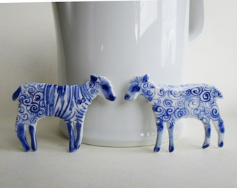 Lamb - Handpainted Blue Delft porcelain Brooch