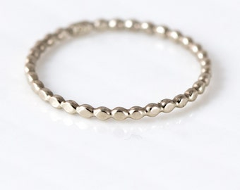 Droplet Bead Band // 14k Gold Band Simple Stackable Band // 1.5mm Bead Ring to Wear as a Stacking Ring or Wedding Band