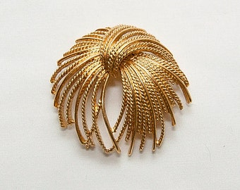1970s MONET Signed Gold Toned Rope Brooch Pin Gold Tone Monet Signed High End Jewelry