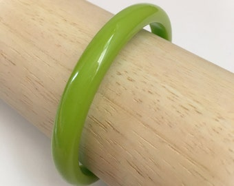 Vintage Bakelite Bangle Bracelet Light Green