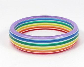 Vintage Lucite Rainbow Stripe Bangle Bracelet Colorful Translucent Colors White