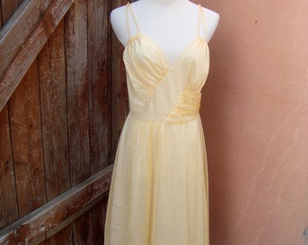 Vintage Golden Peach 1950s  Nightgown by Rogers Pinup Lingerie Size M