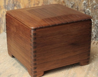 walnut wood 4 x 4 box