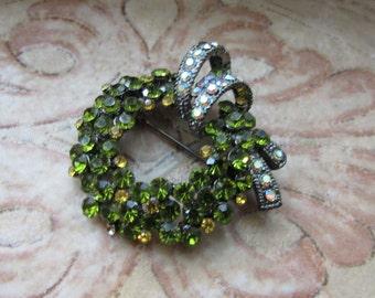 Stunning Vintage Green Rhinestone Circle Pin Kramer Weiss Retro