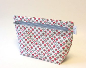 Simple Flowers in Pinks and Gray Make up Bag Accessory Bag
