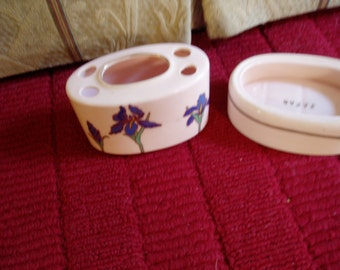 Vintage Toothbrush and Soap Holder Pink with Blue Iris