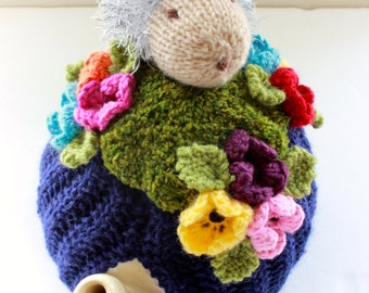 Grandma Bessie the Hedgehog picnicking in the garden - Tea Cosy in Pure Wool - Size Medium - by Tafferty Designs