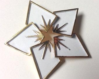 20% Off SALE Coupon Code FAVORITE20 Vintage 1950s Trifari White Enamel Star Brooch