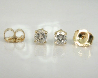 Diamond Ear Studs - 0.30 Carats Total Weight - 14K Yellow Gold