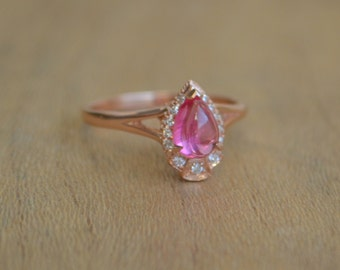 14 K Rose Gold Pear Shaped Ring with Mahenge Spinel Cabochon and Diamond