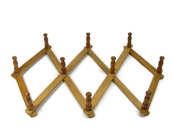 Wooden Peg Rack Expanding Coat Rack Accordian Wall Rack Hat Rack Coffee Mug Rack