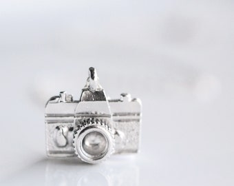 Photographer Gift - Photography Gift Ideas - Camera Jewelry Silver Silver Camera Necklace Photographer Gift for Wedding Photography Necklace