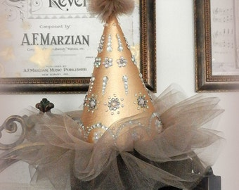 Les Bijoux Party Hat. Gold, Tulle and Bling Birthday Hat