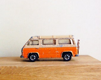 Vintage VW Van Sunagon Miniature Camper Caravan RV Summer Travel Vacation.