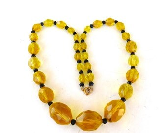 Antique 1900s Nacklace Citrine Crystal Faceted Graduated beaded 10K Gold clasp Art Deco Necklace