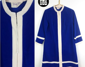 Super Comfy Vintage 60s 70s Blue & White Fuzzy Warm Housecoat Robe by Vanity Fair!