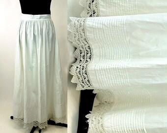Edwardian petticoat skirt white cotton pintucks pleats crochet lace antique petticoat 1910s Size M