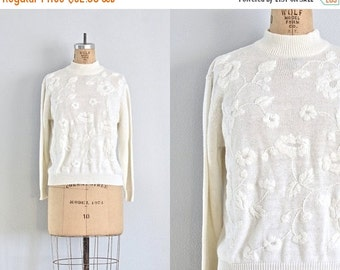 vintage sweater • embroidered sweater • vintage white sweater