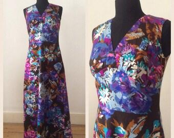 Vintage 1970s Floral Sleeveles Maxi Dress S / Summer Garden Print