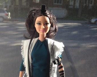 Tefillin Barbie, brown hair, white skin, & free worldwide shipping