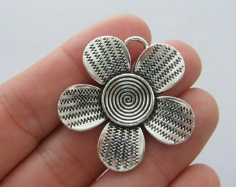 2 Flower charms antique silver tone F178