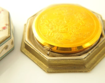 Shari Compact with silk box- 1920's - Vintage