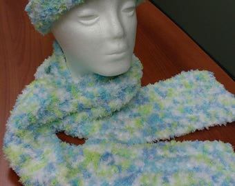 Pipsqueak Hat and Scarf Set - green/blue/white