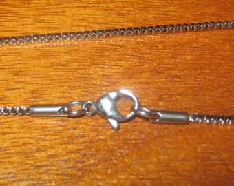 """18"""" 1.5mm Stainless Steel Box Pendant Chain"""