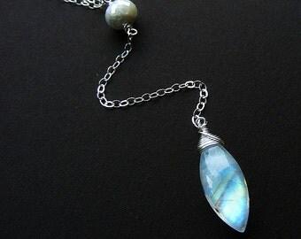 Rainbow moonstone necklace, moonstone y necklace, sapphire necklace, bridal necklace, white necklace, long moonstone silver necklace, lariat