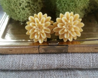 Flower Plugs, Wedding Gauges, Golden Yellow, Mustard Yellow, Mum, Gauges