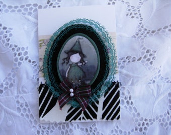 ANNA, felt brooch done with love....