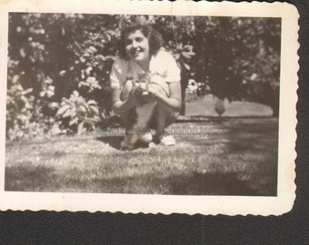 Vintage Photo E08603 a Girl and Her Cat