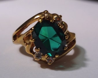 Vintage Lindenwold HGE Simulated Emerald Ring size 7