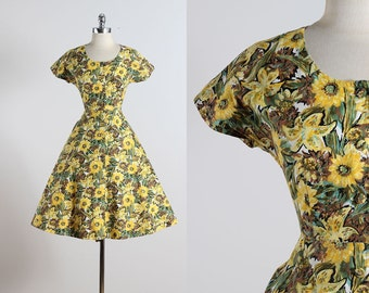Sunflower Meadow . vintage 1950s dress . vintage summer dress . 5539