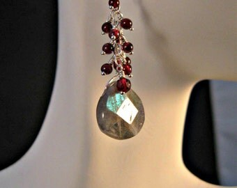 Labradorite garnet cluster earrings,garnet earrings,drop earrings,dangle earrings,cluster earrings,birthstone earrings,labradorite,garnet
