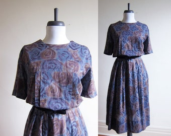 Vintage 1950s Dress / Blue Floral Rose Tea Dress / Size Large / Extra Large