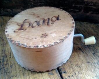 Vintage Reuge Wood Music Box Swiss Movement Hand Crank Vogel Sind Schon Da