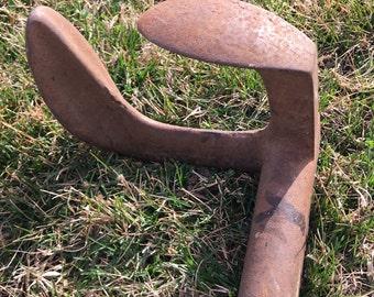 Antique  Cast Iron Dracon #2 Cobbler's Form
