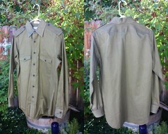 Vintage Military Shirt Men's  Army Green Sero Size Medium Epaulets Combed Cotton Vintage REtro 70s Hipster Military Urban Indie STreet
