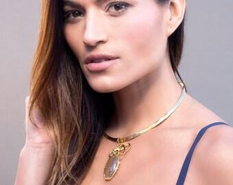 Gold Statement Necklace, Gold Choker Necklace, Hammered Gold Choker, Gemstone Necklace, Rutilated Quartz Pendant, Elegant Necklace