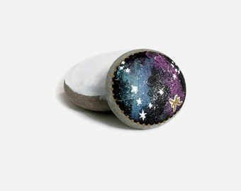 Zodiac Painted Stones, Pisces Zodiac, Outer Space, Galaxy Art, Horoscope, Galaxy Stones, Earth Rocks, Painted Rocks, Painted Stones