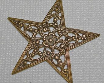 Natural brass star pendant, 45mm - #2053