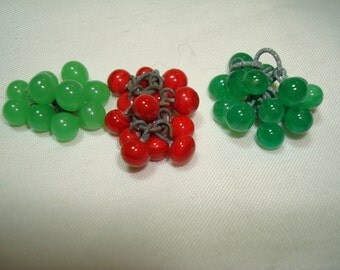 1930s 1940s Miniature Glass Green and Red Glass Clusters for Jewelry Making.