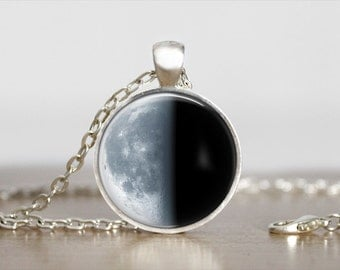 Wanning Quarter Moon Phase Pendant Jewelry moon Necklace Moon phase jewelry