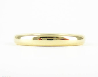 Mid Century 9 Carat Yellow Gold Wedding Ring, Classic Court Comfort Fit Traditional Wedding Band. Circa 1940s, Size N.5 / 7.