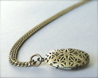 Filigree Natural Brass Locket / Picture Locket / Necklace / Brass Locket / Jewelry for Her / Locket / Filigree Locket / Birthday Gift