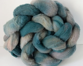 Targhee Roving Forest Green and Gray, Spinning Wool, Great for felting #R1