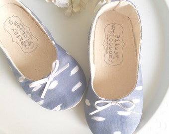 Girl Shoes Baby Shoes Toddler Shoes Infant Shoes Grey Shoes Baby Girl Shoes Summer Shoes Spring Shoes - Rory