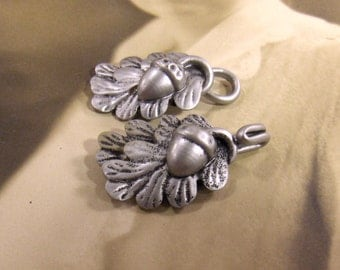 Silver Button Buckle Leaves and Acorns Silver Plastic Closure - epsteam vestiesteam